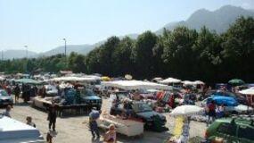 Flohmarkt am Festplatz an der B 13