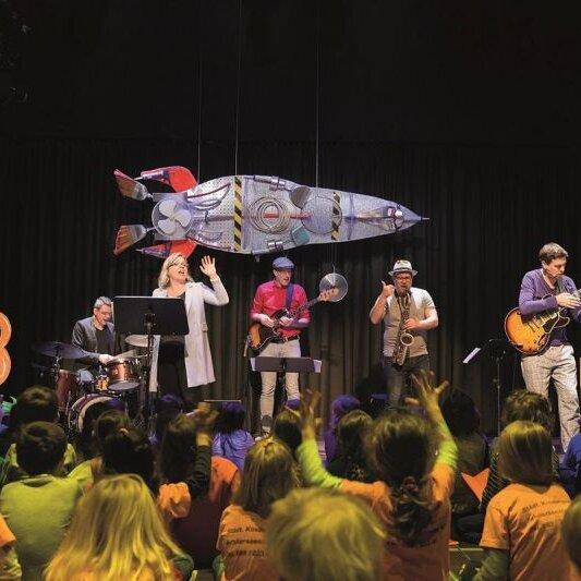 """Gitarrenfestival """"Saitensprünge"""": Kinderkonzert """"Matze im Weltall"""" (D)"""