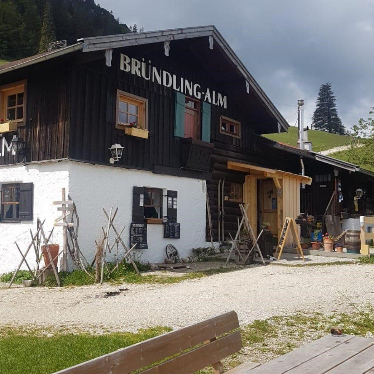Bayerischer Frühschoppen auf der Bründling Alm