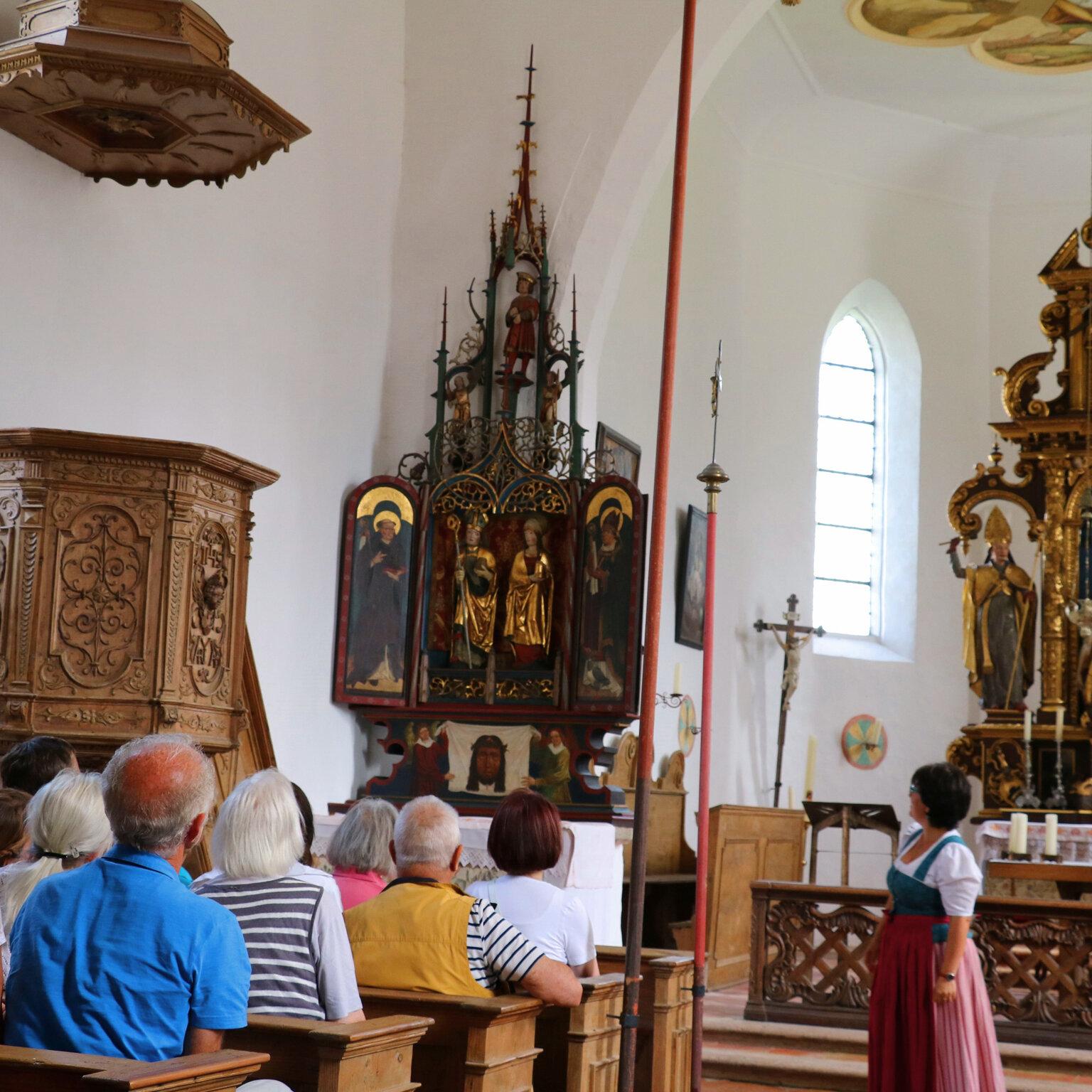 Kirchenführung in der gotischen Wallfahrtskirche Hl. Kreuz in Höhenberg