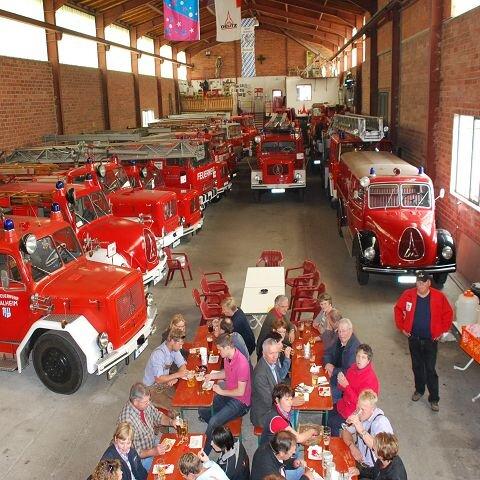 Museum - Historische Magirus-Feuerwehrfahrzeuge Kienberg