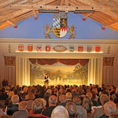 Ritterschauspiele im ältesten Volkstheater Deutschlands