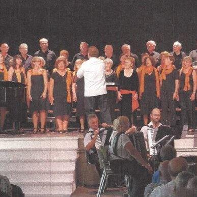 Traditionelle Adventstation - Chiemgauchor und Bläserensemble der Stadtmusik Traunstein