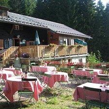 Hüttenyoga auf der Breitenberghütte