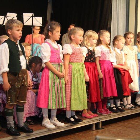 """Chorgemeinschaft Kinderchor: """"Boarisch singa und spuin"""""""