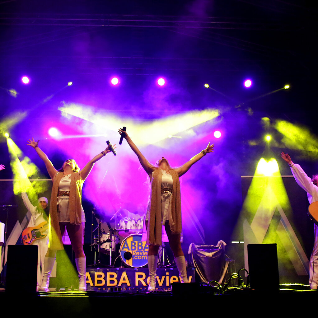 """ABBA Review Tribute Show """"Thank You For The Music"""""""