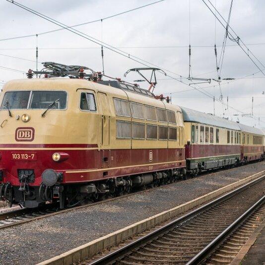 "Jubiläumsfahrt ""30 Jahre Museumseisenbahn Hanau e.V."" nach Köln"