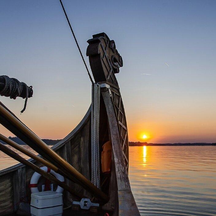 Sonnenuntergangsfahrt mit dem Wikingerschiff FREYA