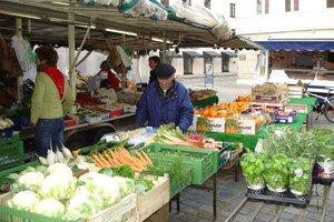 Weilheimer Wochenmarkt am Dienstag