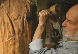 Holz lebt - ein Rückblick auf das Werk des Bildhauers Konrad Saal