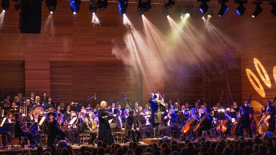 Carmina Burana mit dem National Chor Prag, Solisten, Orchester der Nordböhmischen Philharmonie Teplice