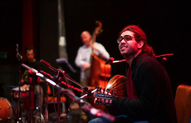 Mohannad Nasser (Oud) feat. Rolf Zilke (Piano), Stephan Braun (Cello) und Rainer Winch (Drums)