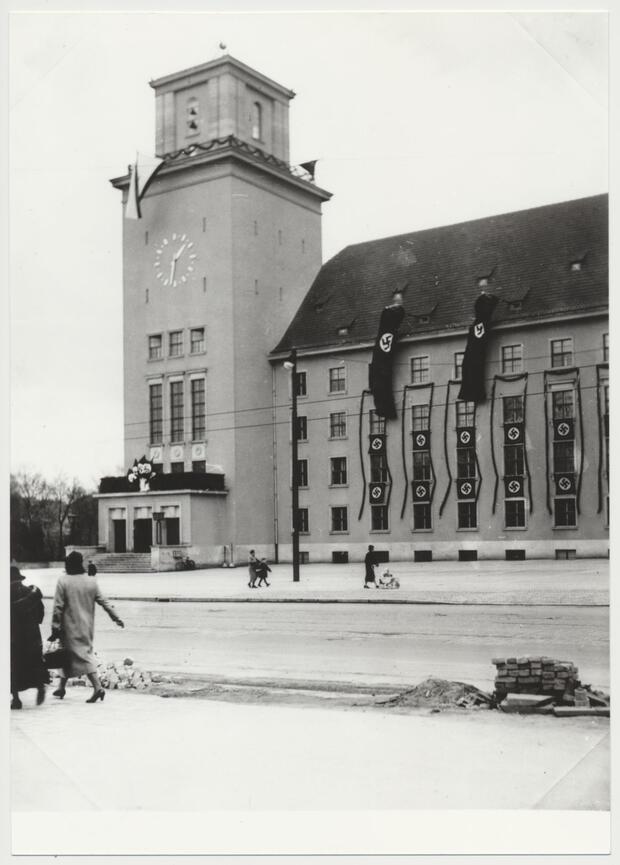 Belastete Orte: Umgang mit NS-Architektur in Tempelhof-Schöneberg