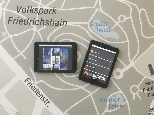Die Ausstellung ortsgespräche auf dem Tablet | © Ellen Röhner