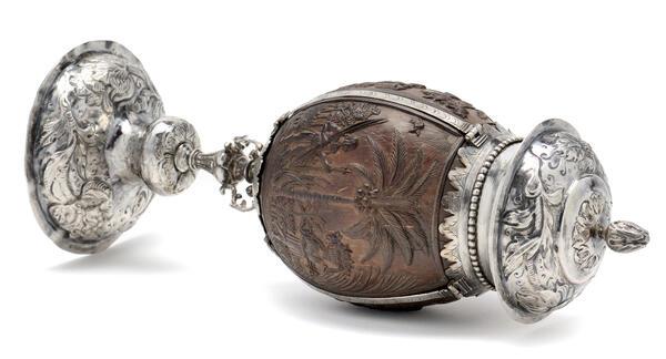 Humboldt-Pokal, Niederländisch, 1648-1653, aus dem Besitz von Alexander von Humboldt in der Wunderkammer Olbricht © Kunstkammer Georg Laue, Munich