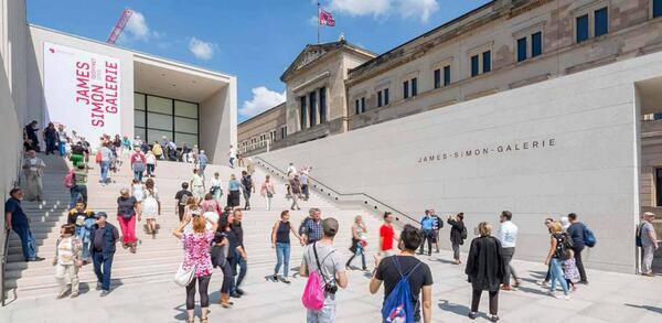 Eröffnungtag der James-Simon-Galerie | © Staatliche Museen zun Berlin / David von Becker