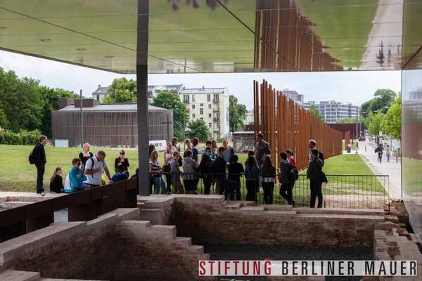 Stiftung Berliner Mauer, J. Hohmuth