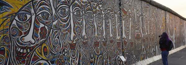 Blick auf die East Side Gallery | Stiftung Berliner Mauer