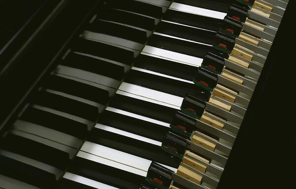 Vorsetzer zum Abspielen einer Klavierrolle, The Aeolian Company, New York, um 1910 | (c) SIMPK / Foto: Anne-Katrin Breitenborn