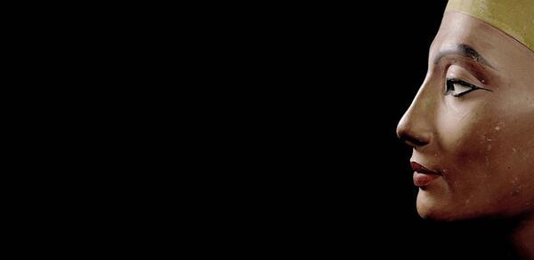 Büste der Königin Nofretete, Neues Reich, 18. Dynastie, Amarna, Ägypten, Um 1340 v. Chr. | © Staatliche Museen zu Berlin, Ägyptisches Museum und Papyrussammlung / bpk / Jürgen Liepe