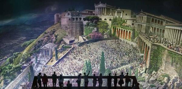 Panorama PERGAMON mit Blick von oberster Besucherplattform auf das Theater und die Akropolis | © asisi / Tom Schulze