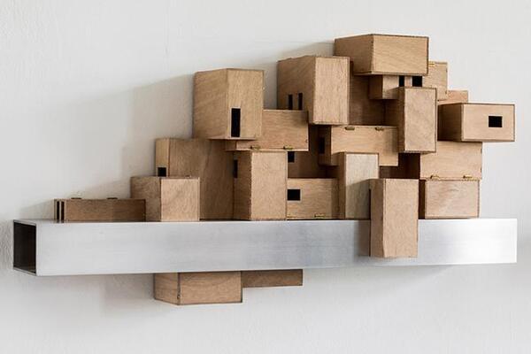 Matthias Stuchtey Schmarotzer dritter Ordnung Nr. 1, 2018 Holzwerkstoffe, Aluminium ca. 42 x 80 x 20 cm | Matthias Stuchtey