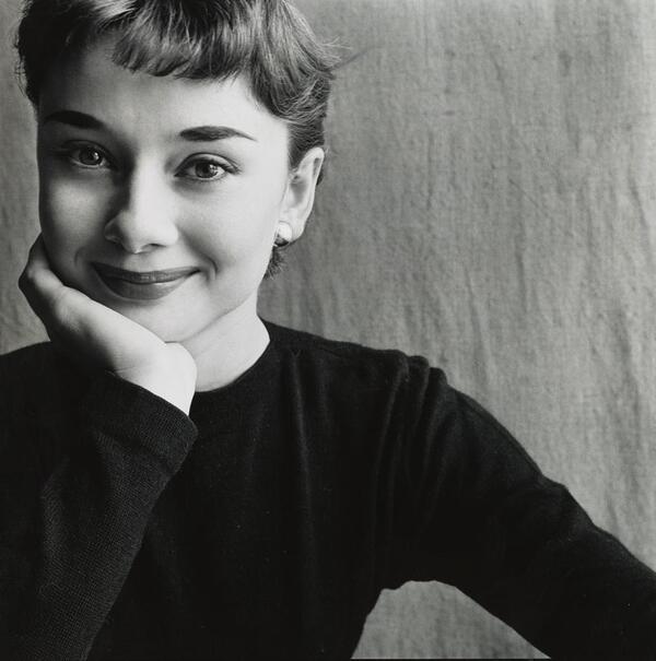 Audrey Hepburn, Paris, 1951 © Condé Nast | The Irving Penn Foundation