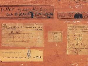 """Biografien der Bilder. Werke und Provenienzen im Museum Berggruen   Die Rückseite von Paul Klee's """"Lebkuchenbild"""" mit Provenienzhinweisen"""