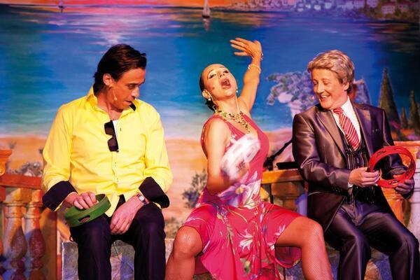 La Famiglia – Berlins beliebteste musikalische Dinner-Komödie | Claudio Maniscalco Entertainment