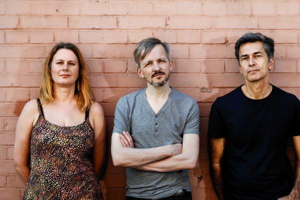 Trio Kern & Liz Kosack | Promo