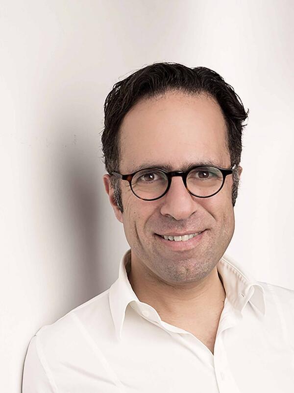 Mazda Adli, 47, ist Psychiater und Psychotherapeut. Er ist Chefarzt der Fliedner Klinik in Berlin und Leiter des Forschungsbereichs Affektive Störungen an der Charité.Foto: Fliedner/ Annette Koroll Fotos