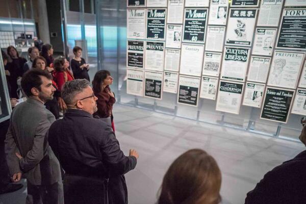 Parapolitik: Kulturelle Freiheit und Kalter Krieg:  Beitrag des Berliner Künstlers Fernando Bryce Foto: Stefan Maria Rother / HKW